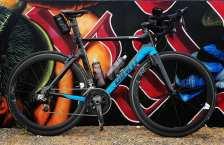 giant bike and graf